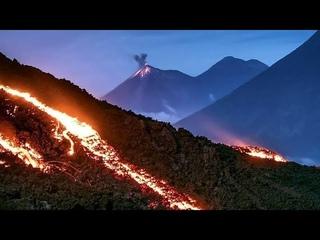 Volcan Pacaya En Guatemala Expulsa Rios De Lava / Pacaya Volcano In Guatemala Expels Lava Rivers