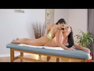 Мясистая девушка сделала массаж и трахнула подругу sex girl porn lesbiam lgbt meat milf juicy bbw cow pawg twerk (hot&horny)