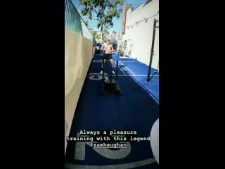 working out with trainer Reinhard Nel reign_train IG Story 22819
